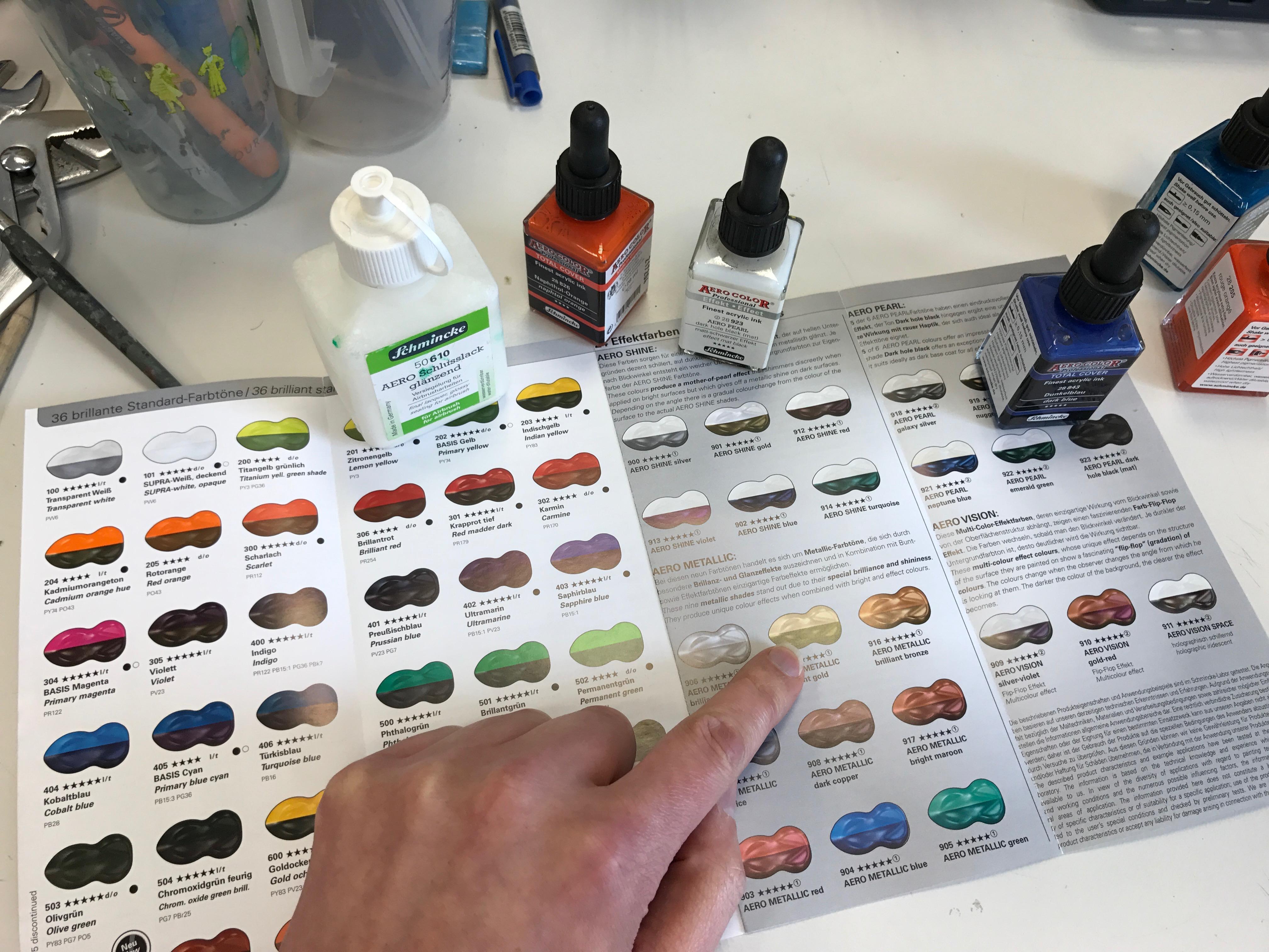 Für den Durchblick: Aero Color Professional Farbübersicht im aktuellen Flyer