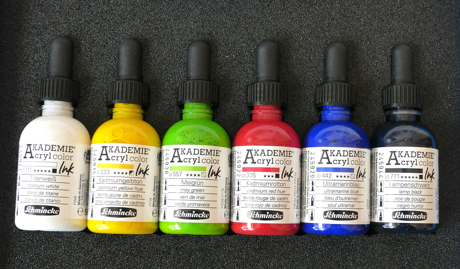 Schmincke AKADEMIE Acryl Color Ink – ideal für Airbrush-Mischtechnik